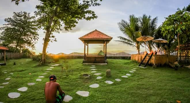 Luxury South Sumatra Surf Camp
